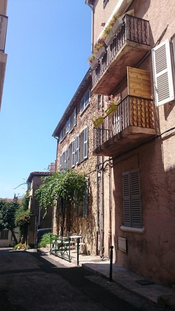 Saint Tropez - Petite ruelle charmante