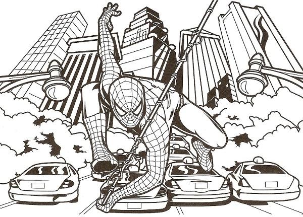 Coloriage Spiderman avec des voitures et une ville en fond