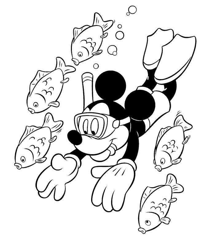 Coloriage Mickey à imprimer - Mickey fait de la plongée avec des poissons