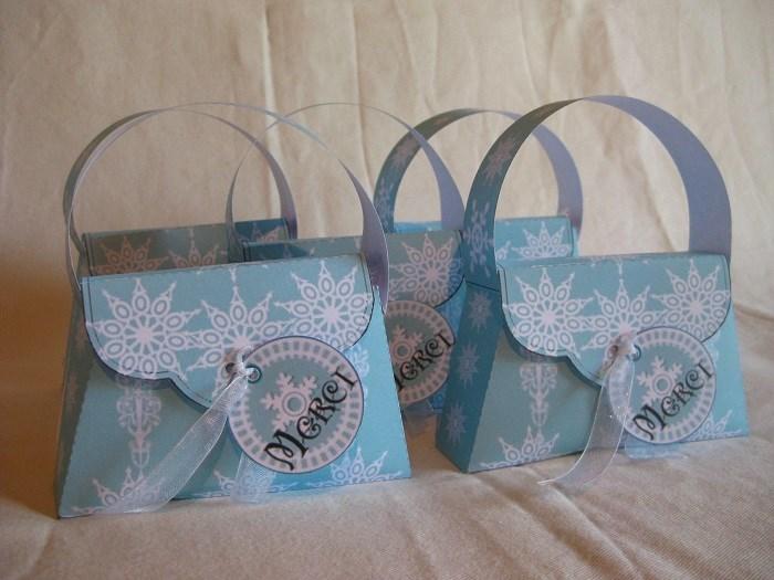 Activité d'anniversaire Reine des Neiges - Créer des petits sacs cadeaux