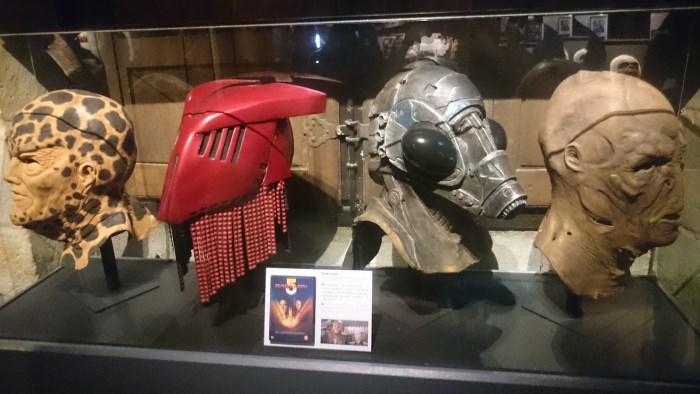 Musée miniature et cinéma de Lyon - Masques-prothèses de plusieurs personnages de la série Babylon V