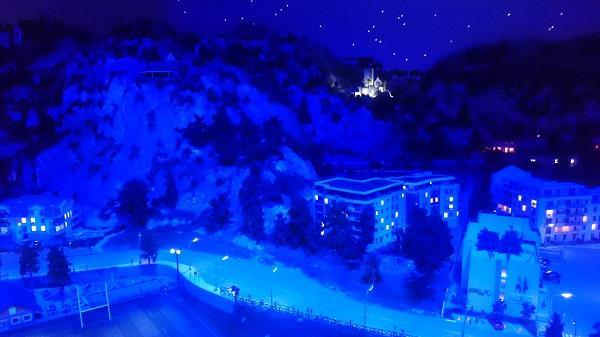Miniworld à Lyon - Découverte, visite et avis - La ville - De nuit - 1