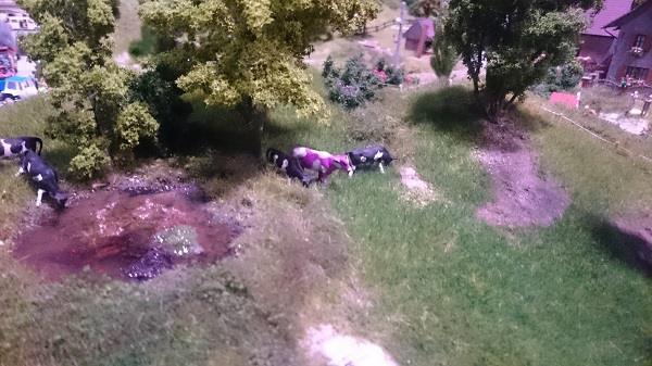 Miniworld à Lyon - Découverte, visite et avis - Petit détail - La vache Milka