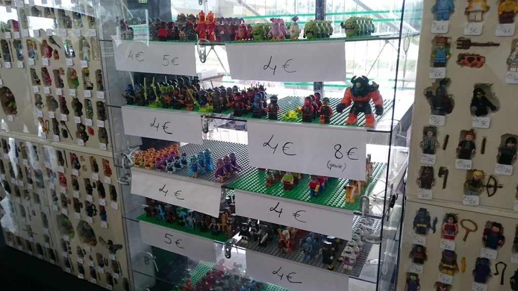Lego MOC – Exposition Briqu'expo à Lyon - Plein de personnages 2