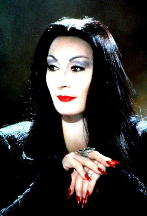 Comment bien se déguiser pour Halloween - Morticia Adams