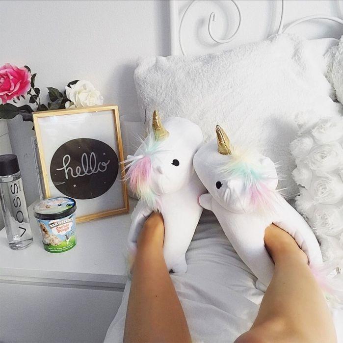 Idées cadeaux de noël - Chaussons-pantoufles licorne