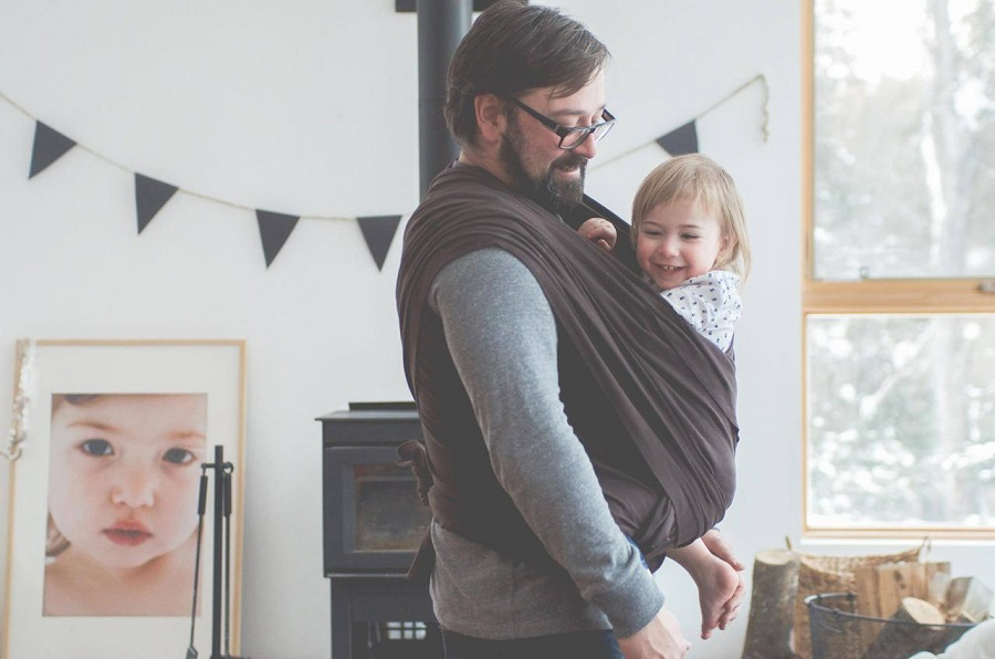 Les diff rentes fa ons de porter b b ou modes de portage - Rever de porter un bebe dans les bras ...