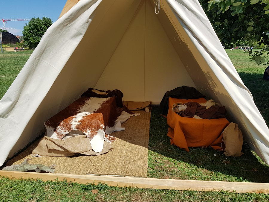 Campement viking à Lyon - La couche standard