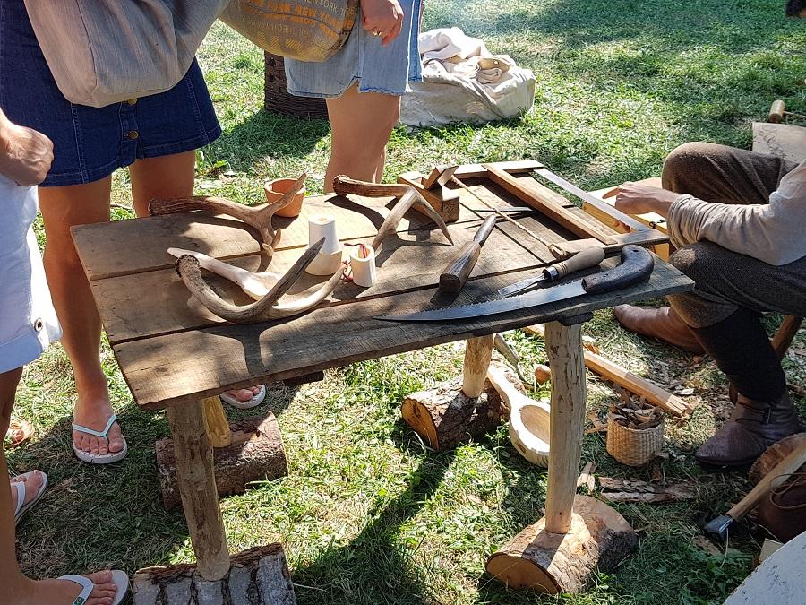 Campement viking à Lyon - Le travail du bois