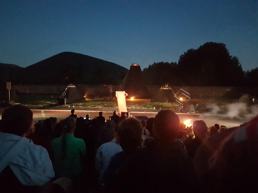 Vulcania, découverte et avis - spectacle pyrotechnique yapadrisk et la flamme des volcans