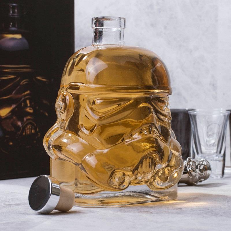 5 idées cadeau - Carafe a vin Stormtrooper