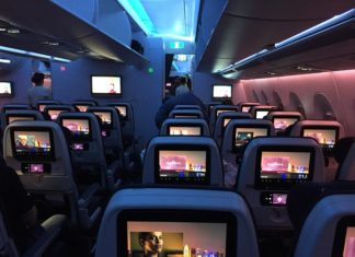 Prendre l'avion avec ses enfants - conseils et astuces