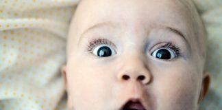 Comment réaliser les soins de visage de bébé