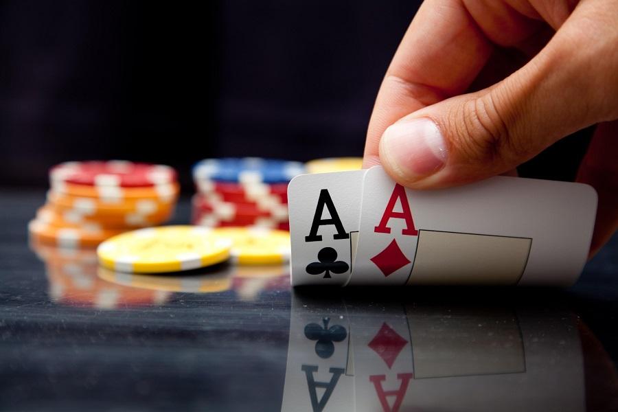 Download texas holdem poker completo
