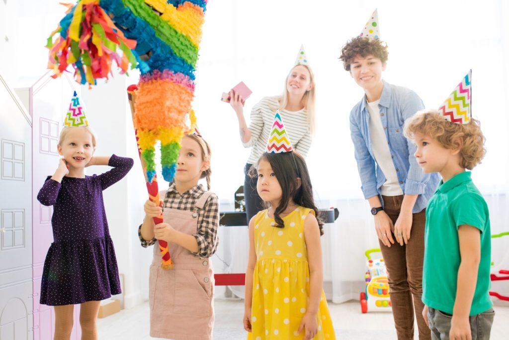3 exemples d'activités pour un anniversaire d'enfant - La pinata