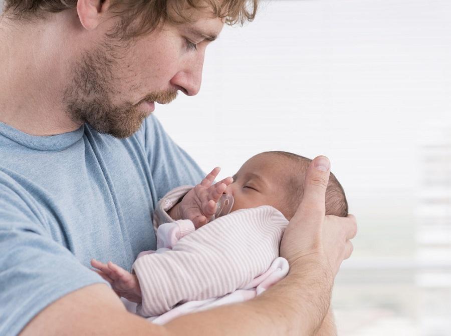 Tout sur le congé de paternité - durée, conditions, démarches