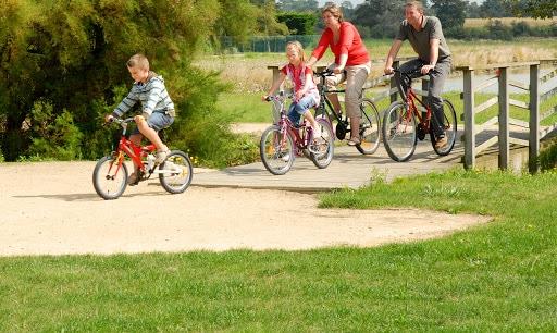 Le plaisir de faire du vélo en famille