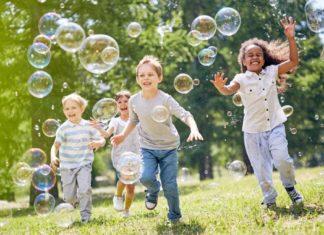 Quelles solutions pour faire garder ses enfants pendant les vacances scolaires