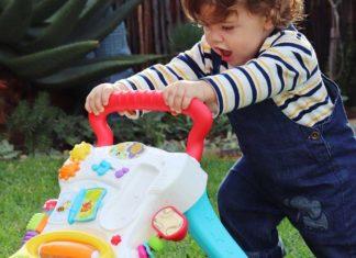 Quel jouet pour enfant choisir pour l'aider à apprendre à marcher ?