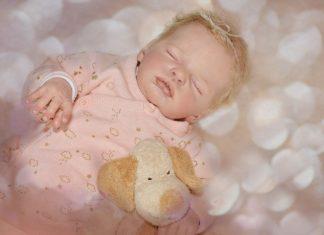 Comment prendre soin d'une poupée reborn