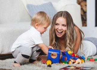 Quels sont les intérêts d'avoir une baby-sitter à domicile